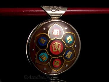 PD85 Pendentif Yeux de Bouddha Mantra Noeud Sans Fin