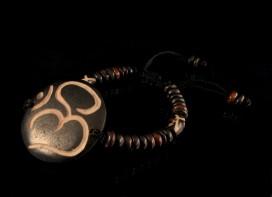 BRD89 Bracelet Os de Buffle Om
