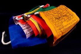 DP01 Petits Drapeaux de Prières Tibétains 1,15 m