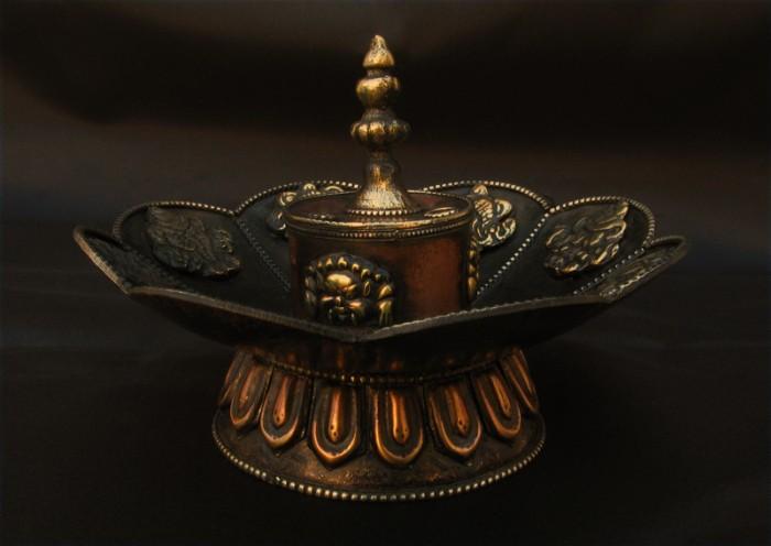 Bpe02 br le encens bougeoir fleur de lotus astamangala bouddhisme noeud sans fin - Fleur de lotus bouddhisme ...