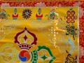 BB52 Bannière Tibétaine Dorje Signes Auspicieux du Bouddhisme