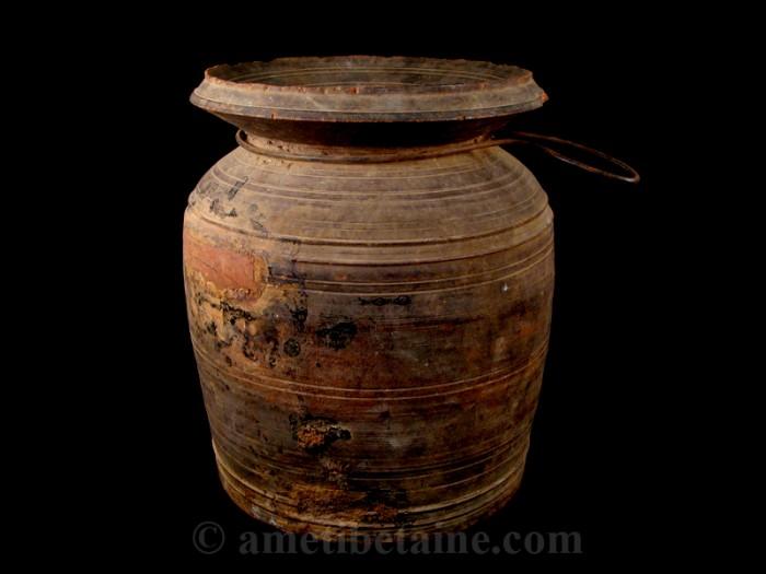 pot05 pot lait ancien artisans du nepal yak region himalayenne. Black Bedroom Furniture Sets. Home Design Ideas