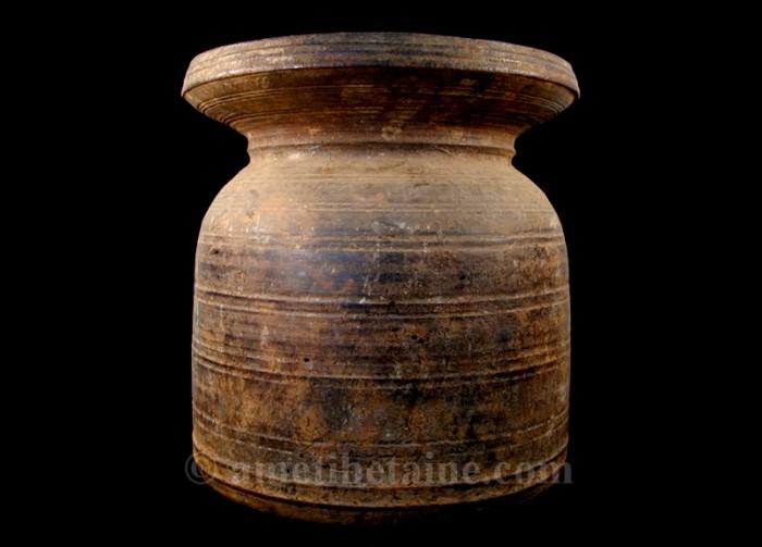 pot08 pot lait ancien artisans du nepal yak region himalayenne. Black Bedroom Furniture Sets. Home Design Ideas