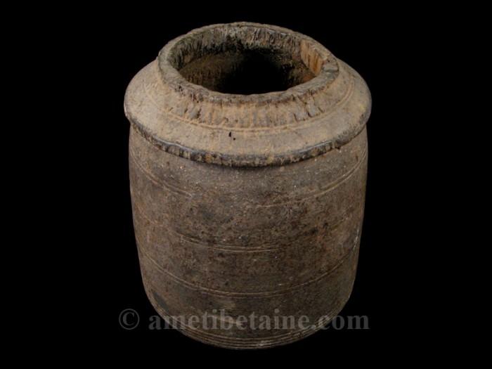 pot09 pot lait ancien artisans du nepal yak region himalayenne. Black Bedroom Furniture Sets. Home Design Ideas