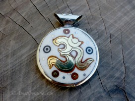 PD101 Pendentif Om Mantra Yin Yang
