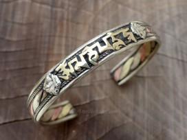 BRD339 Bracelet Tibétain Métal Argenté Cuivre Laiton Mantra