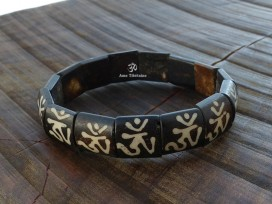 BRD373 Bracelet Os de Buffle Om