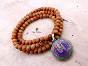 Mala161 Mala de Prières Bois de Santal Om Yeux de Bouddha