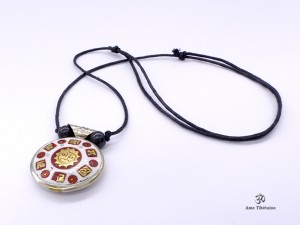 CD125 Collier Tibétain Mantra