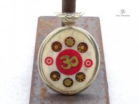 PD88 Pendentif Yeux de Bouddha Om Yin Yang