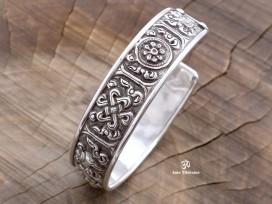 BRA31. Bracelet Tibétain Argent Massif Signes Auspicieux